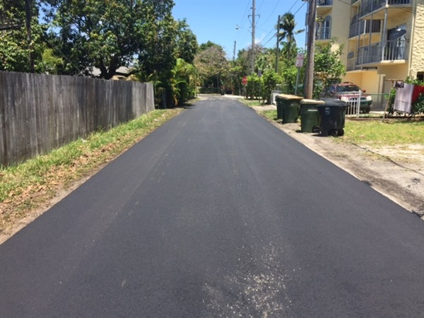 NE 11 AVE 121-123 PAVED