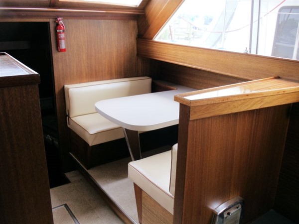 FOR SALE: 47' 1967 CHRIS CRAFT 47 Commander